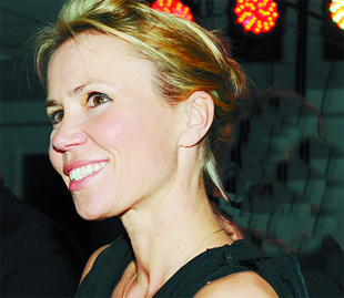 Tributes paid to weather presenter Dianne Oxberry, following her dead aged 51