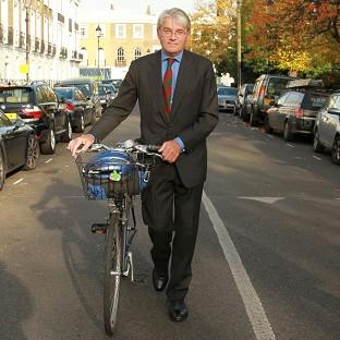 Lancaster And Morecambe Citizen: Former Tory chief whip Andrew Mitchell outside his north London home