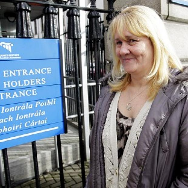 Lancaster And Morecambe Citizen: Sylvia Deehan arrives at court for her legal action against a pub after allegedly being injured during a rush to grab a free prize at an Ann Summers party.