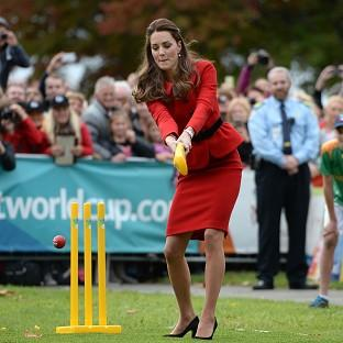 Lancaster And Morecambe Citizen: The Duchess of Cambridge bats to William's bowling in Christchurch, New Zealand