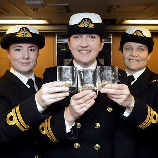 Lancaster And Morecambe Citizen: Lieutenants Maxine Stiles, Alexandra Olsson and Penny Thackray who have made history by becoming the first female submariners to serve in the Royal Navy.