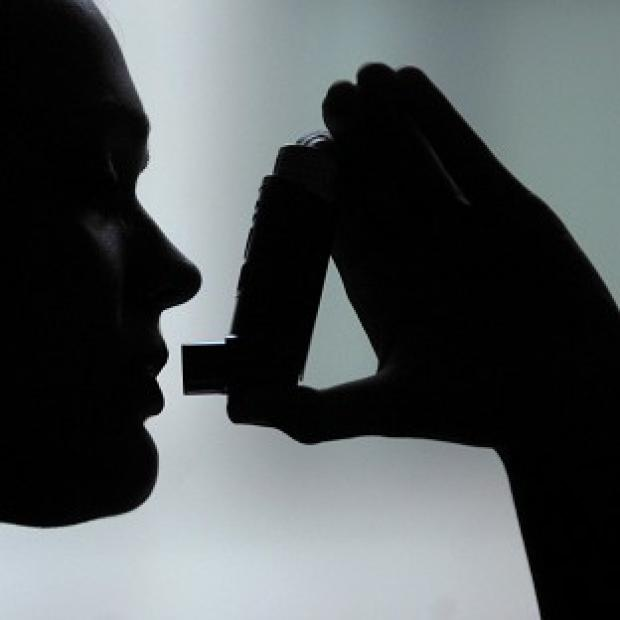 Lancaster And Morecambe Citizen: Giving babies antibiotics has been linked to the development of asthma, scientists say