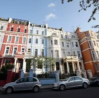 Lancaster And Morecambe Citizen: Houses in Notting Hill, London, which has prospered despite the downturn