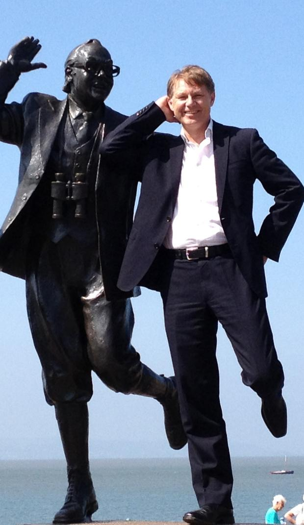 Lancaster And Morecambe Citizen: MP David Morris at the Eric Morecambe statue