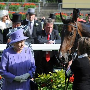 Lancaster And Morecambe Citizen: The Queen and Sir Michael Stoute with Estimate at Royal Ascot.