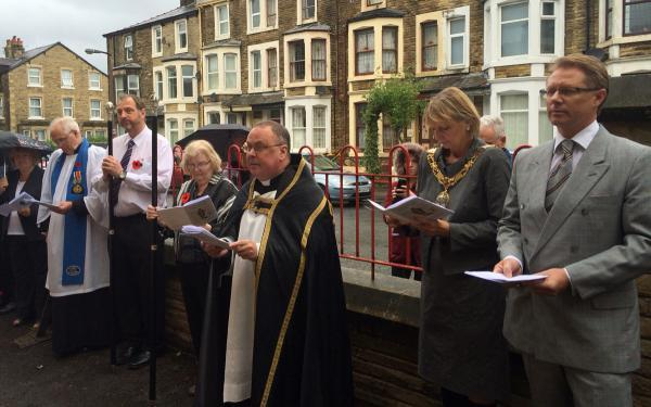 Lancaster And Morecambe Citizen: MP David Morris (right) at the service at St Barnabas' Church in Morecambe