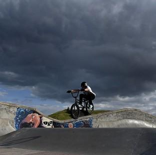 Lancaster And Morecambe Citizen: Storm clouds over Whitley Bay skate park as unseasonably cool temperatures announce the arrival of autumn