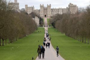 Tighter security for Windsor Castle guards' ceremony after Westminster attack