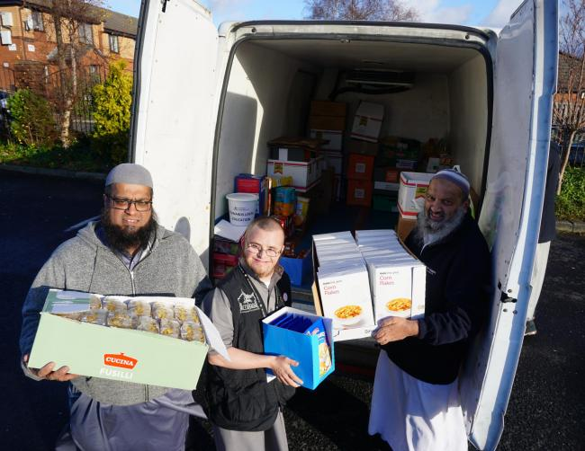 Mosques And Muslim Groups Donate An Amazing 4869kg To